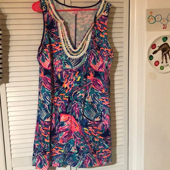 Dresses & Skirts - Super cute Lilly Pulitzer shift dress XL